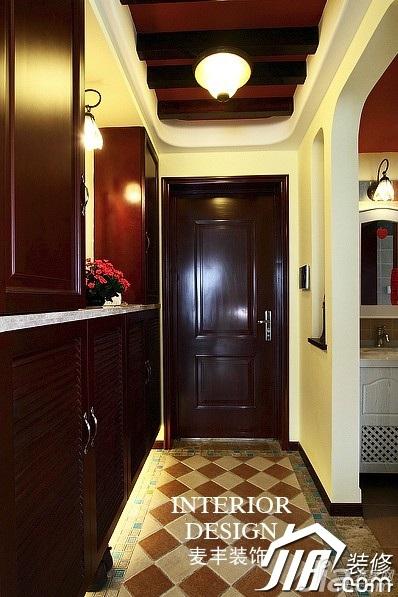 美式乡村风格公寓原木色富裕型100平米门厅玄关柜效果图