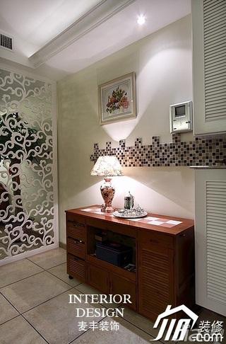 欧式风格公寓富裕型130平米门厅隔断玄关柜效果图