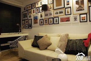 日式风格公寓温馨米色富裕型客厅照片墙沙发效果图