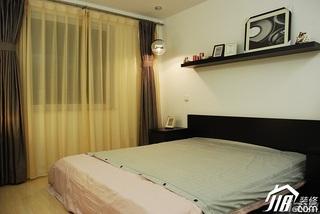 日式风格公寓温馨米色富裕型卧室窗帘效果图
