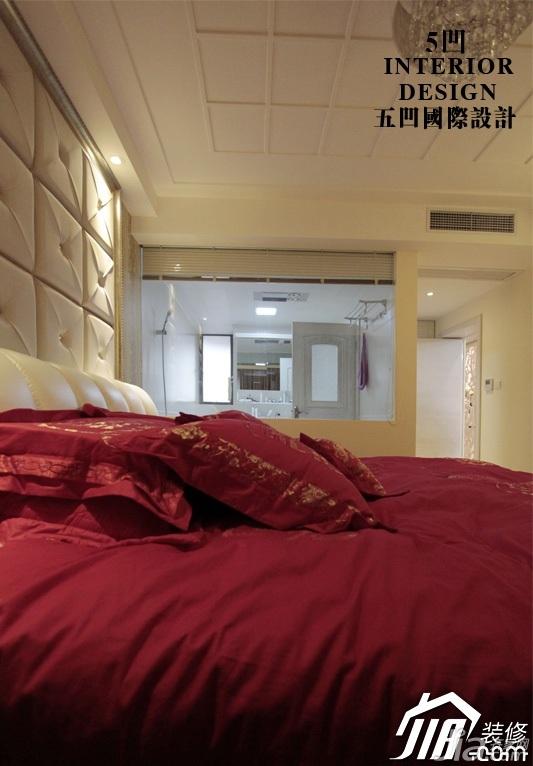 欧式风格公寓奢华米色豪华型卧室卧室背景墙装修图片