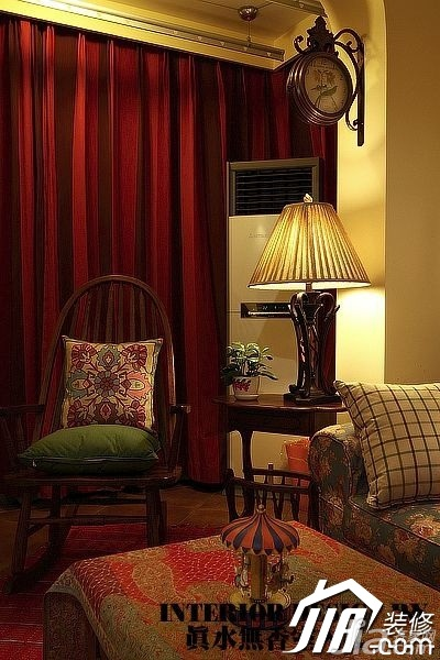美式乡村风格公寓温馨暖色调110平米客厅窗帘效果图