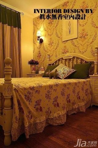 美式乡村风格公寓温馨暖色调110平米卧室壁纸效果图