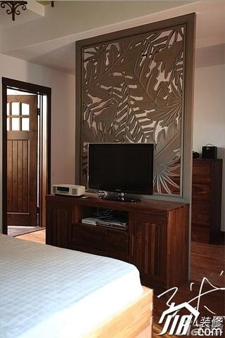 三米设计中式风格别墅富裕型卧室隔断电视柜效果图