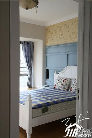 三米设计美式乡村风格跃层富裕型卧室卧室背景墙床效果图