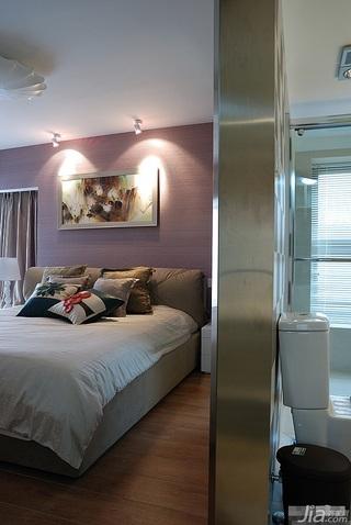loft风格跃层富裕型卧室床效果图