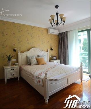 三米设计美式乡村风格富裕型120平米卧室卧室背景墙壁纸效果图