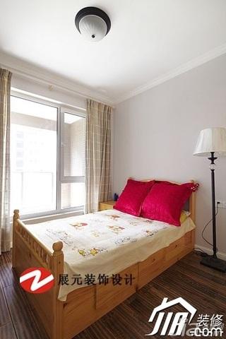 美式风格公寓温馨暖色调富裕型卧室床效果图