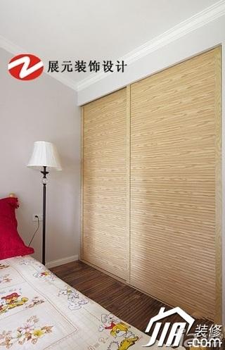 美式风格公寓温馨暖色调富裕型卧室衣柜效果图
