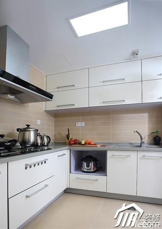 三米设计简约风格二居室白色经济型90平米厨房吊顶橱柜订做