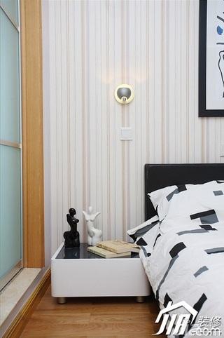三米设计简约风格二居室经济型90平米卧室壁纸效果图