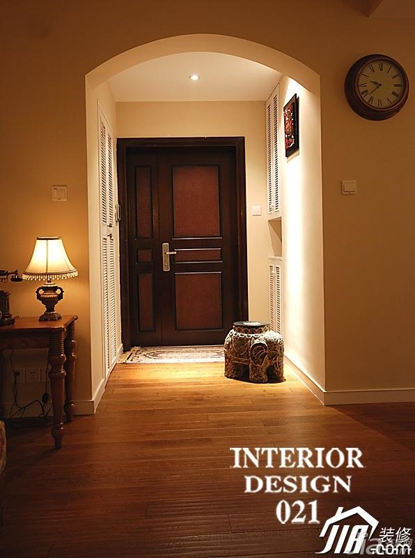 美式乡村风格三居室富裕型门厅效果图