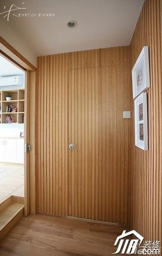 三米设计简约风格公寓经济型130平米衣帽间效果图