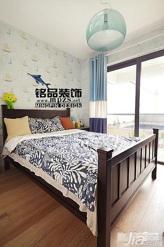 混搭风格三居室10-15万卧室窗帘效果图