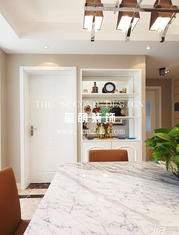 简约风格公寓温馨餐厅装潢