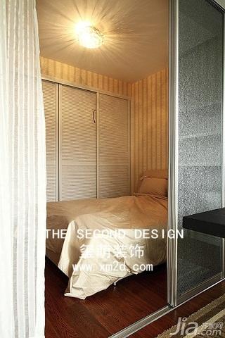 简约风格三居室温馨米色富裕型140平米以上卧室衣柜设计图