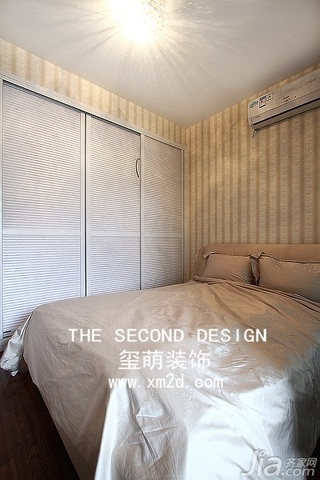 简约风格三居室温馨米色富裕型140平米以上衣柜设计