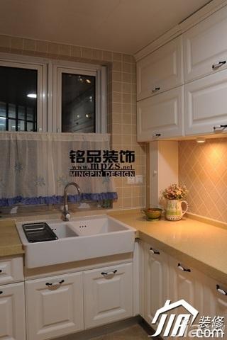 简约风格三居室经济型厨房橱柜安装图