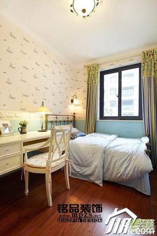 田园风格二居室15-20万90平米卧室窗帘效果图