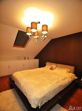 简约风格别墅大气暖色调富裕型140平米以上卧室卧室背景墙灯具效果图
