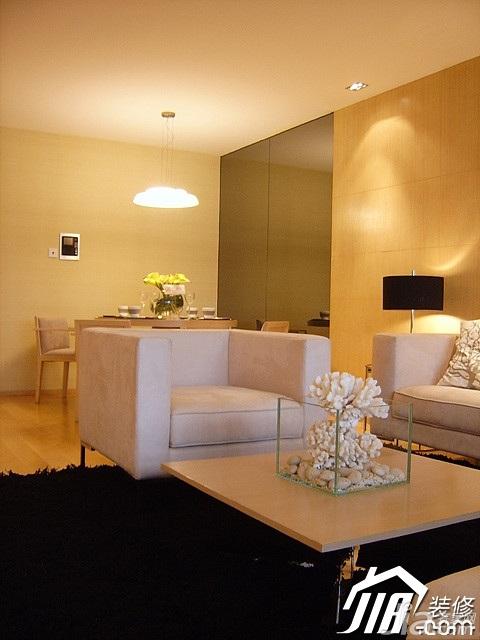 简约风格二居室温馨米色富裕型客厅沙发图片