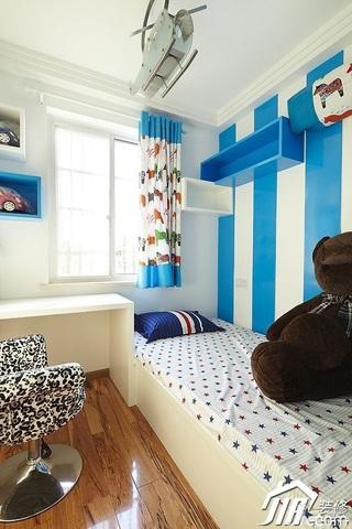 简约风格二居室时尚富裕型儿童房地台装修效果图