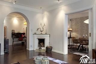 欧式风格二居室时尚富裕型客厅装潢