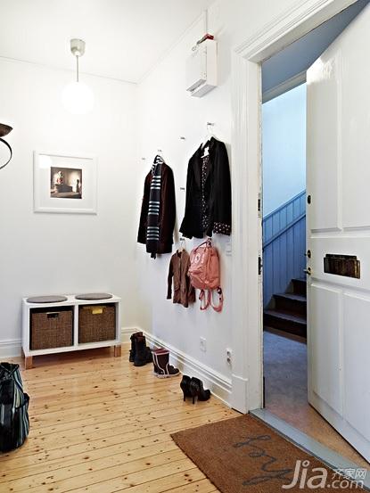 北欧风格公寓经济型70平米衣帽间效果图