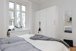 北欧风格小户型经济型50平米卧室飘窗衣柜效果图