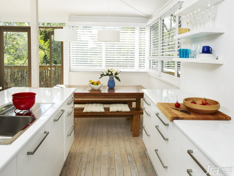 别墅厨房橱柜安装图