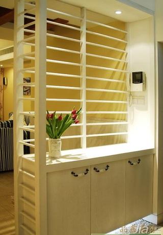 地中海风格三居室富裕型玄关隔断玄关柜效果图