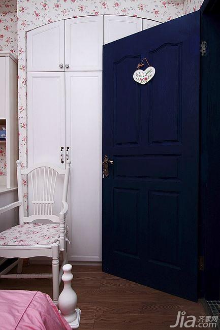 混搭风格二居室经济型衣柜设计图
