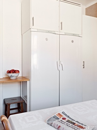 欧式风格复式100平米卧室衣柜设计图纸