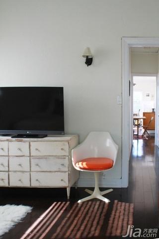 现代简约风格公寓经济型70平米卧室电视柜效果图