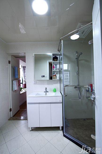 简约风格三居室简洁白色富裕型卫生间背景墙洗手台效果图