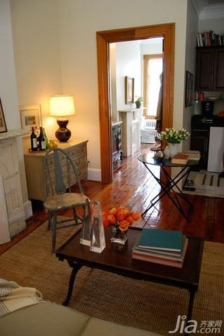 欧式风格公寓温馨经济型50平米客厅过道茶几海外家居