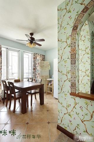 loft风格跃层富裕型140平米以上餐厅餐桌图片