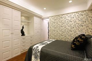 简约风格富裕型130平米卧室卧室背景墙衣柜台湾家居