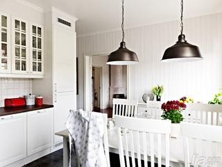 北欧风格小户型经济型70平米餐桌海外家居