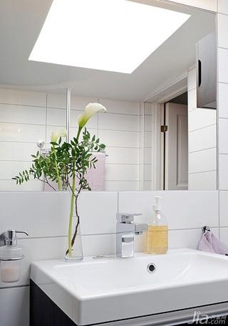 宜家风格二居室经济型卫生间吊顶洗手台效果图