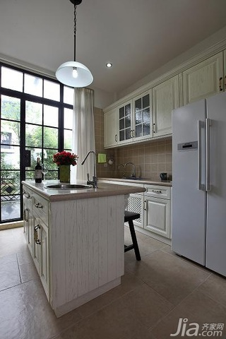 美式乡村风格别墅白色豪华型厨房吧台橱柜效果图