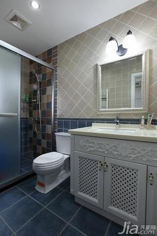美式乡村风格别墅豪华型卫生间吊顶洗手台效果图