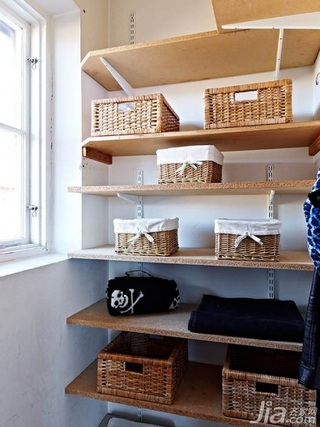 欧式风格复式5-10万110平米衣帽间效果图