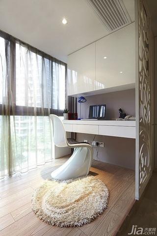 简约风格二居室白色富裕型阳台地台设计