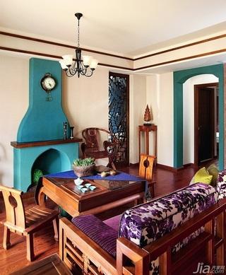 东南亚风格公寓15-20万120平米客厅沙发效果图