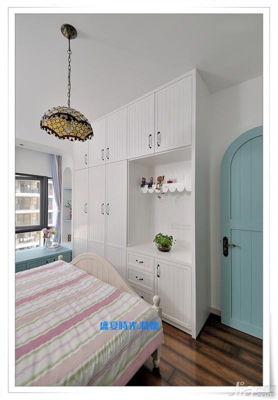 地中海风格三居室富裕型90平米卧室衣柜设计