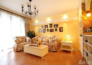 混搭风格公寓富裕型80平米客厅照片墙沙发婚房家装图片