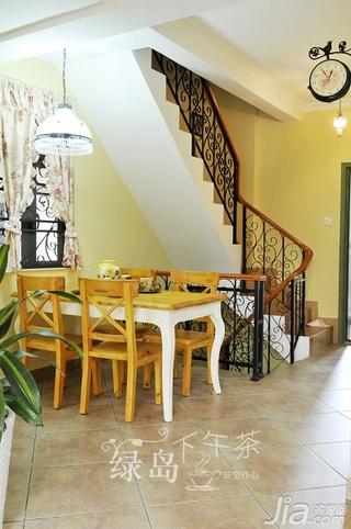 非空田园风格公寓经济型80平米餐厅楼梯餐桌效果图