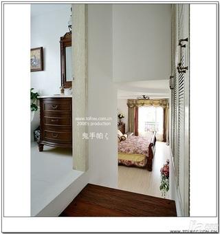 鬼手帕欧式风格别墅富裕型130平米卧室楼梯衣柜定制