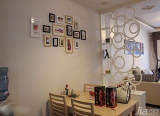 简约风格三居室经济型90平米餐厅隔断餐桌效果图